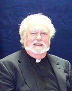 Fr. Si Hendry, SJ :